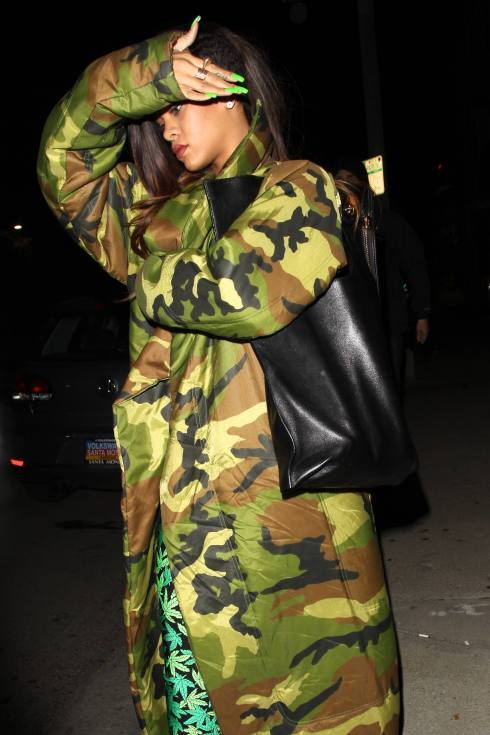 Rihanna And Chris Brown At The Recording Studio